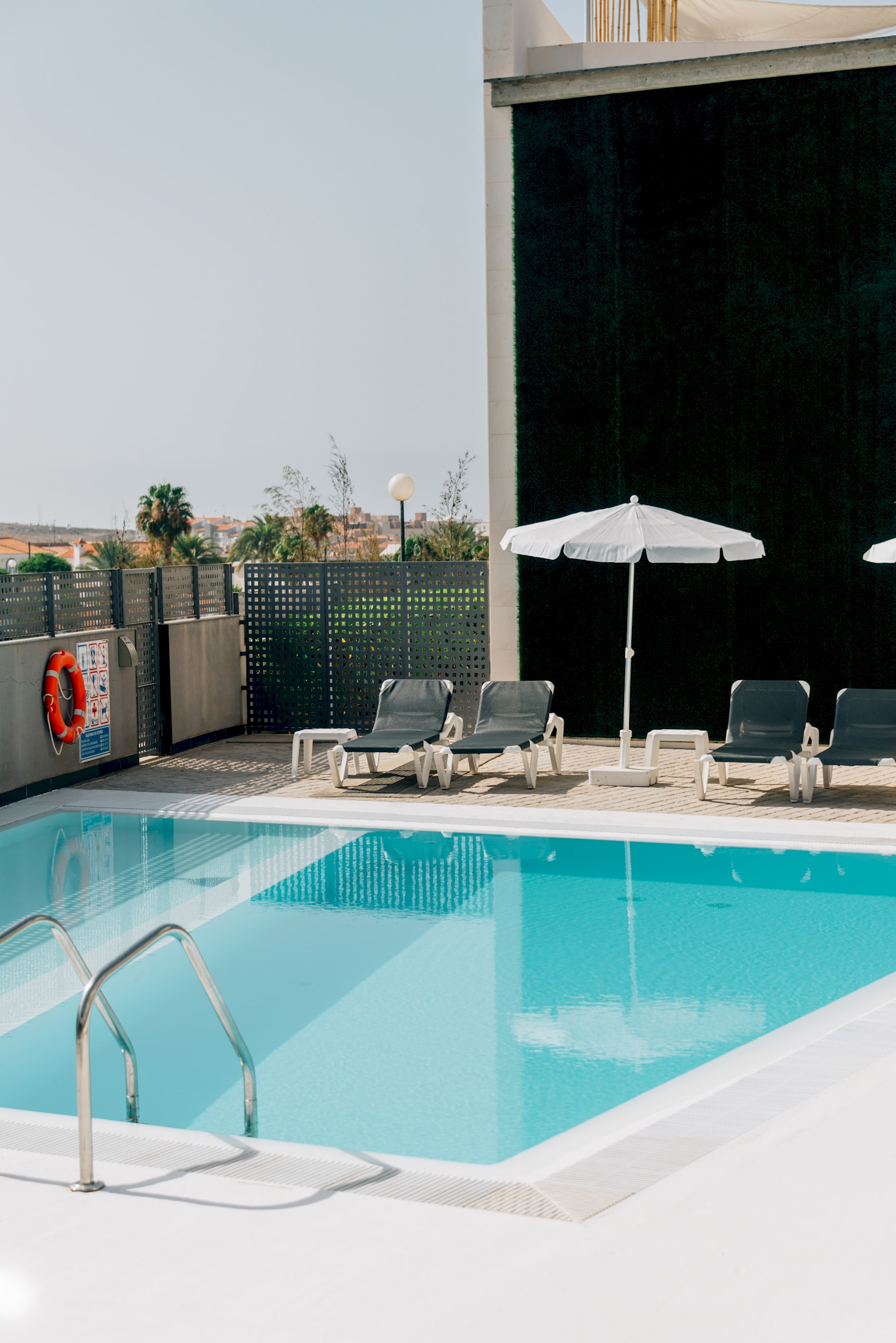 One-bedroom apartment 301 (with pool view)